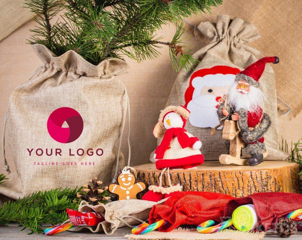 Un sachet de Noël avec le logo de Votre entreprise
