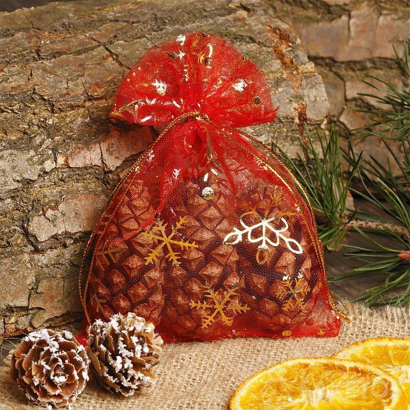 Les pots à fleurs peuvent être ornés avec des sacs en toile de jute