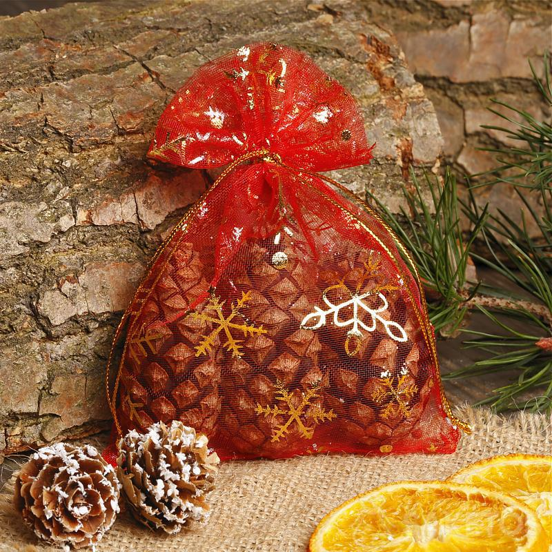 Un sachet Noël en organdi rouge