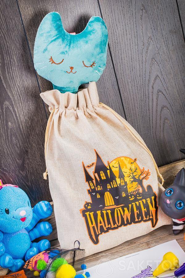 Les sachets décoratifs pour Halloween peuvent être utilisés comme une décoration originale de la chambre d'enfant.