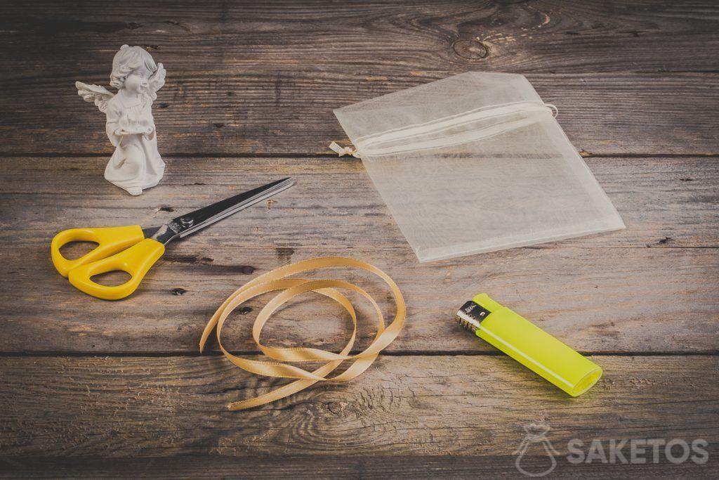 Pas 1 - En premier lieu, il faut préparer des accessoires indispensables