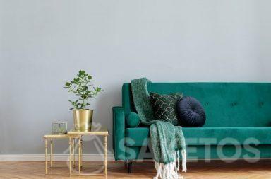 Le matériau de velours est employé dans l'aménagement d'intérieurs et pour la réalisation des décorations des maisons.