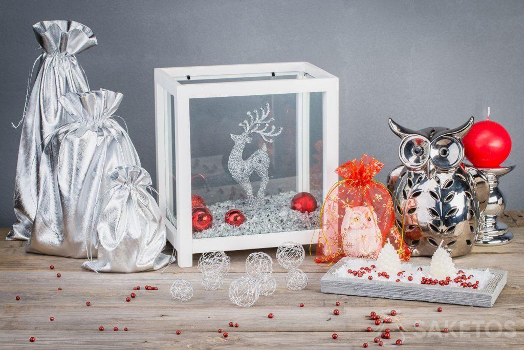 5.Les sachets métallisés rendent les décorations de Noël plus modernes