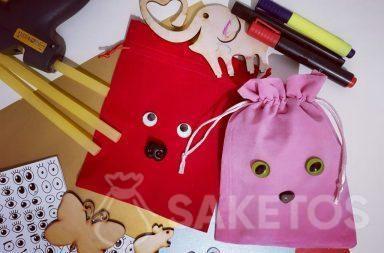 Décoration de sacs en jute pour les cadeaux aux proches