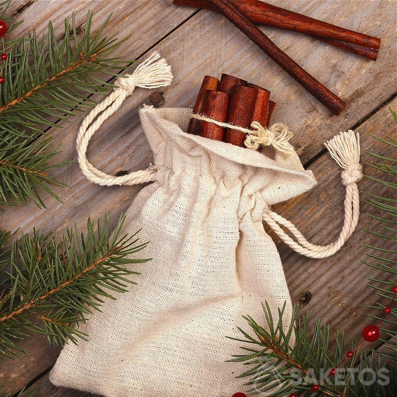4.Une pochette de lin avec une impression décorative dans le rôle d'un cache-pot