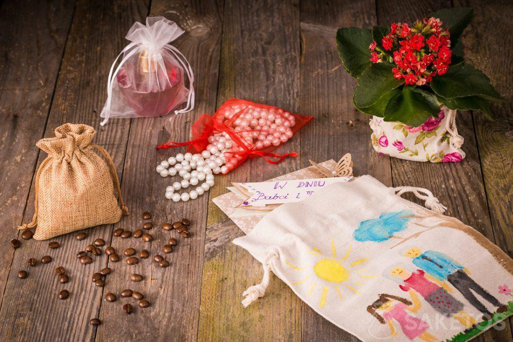 Sacs-cadeaux pour la grand-mère et la fête de grand-père