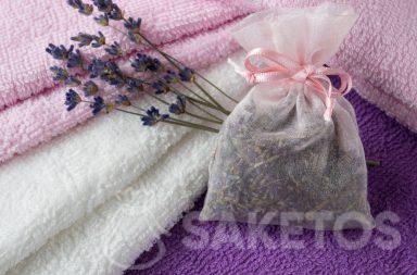6. Le sachet avec de la lavande séchée donnera à vos serviettes un beau parfum et protégera contre les mites