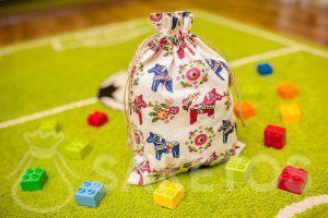 6. Le sachet décoratif pour chambre d'enfant à des blocs Lego Duplo