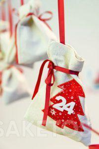 Le calendrier de l'Avent avec des pochettes pour de petits cadeaux