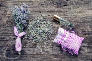 Les huiles essentielles renforcent l'odeur des substances séchés dans le sachets