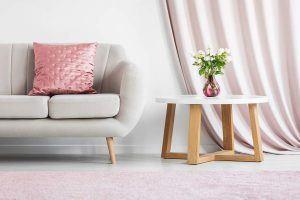 Le salon moderne dans les couleurs pastel